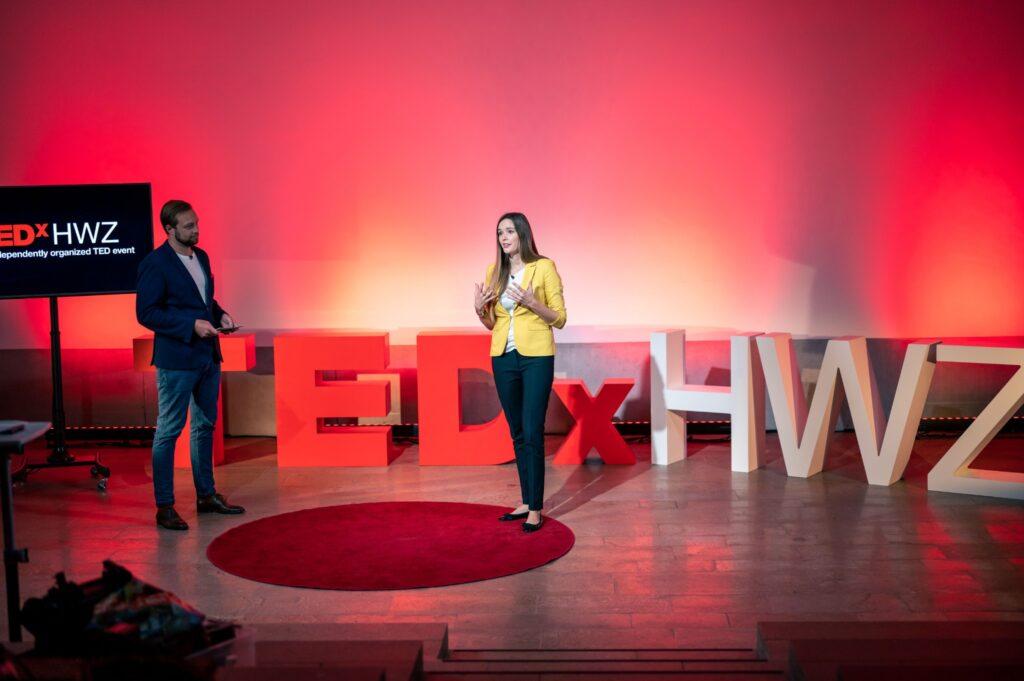 Sunnie bei TEDxHWZ